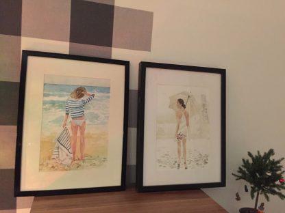 Aranżacja galeria dziewczyna w deszczu i dziewczyna na plaży